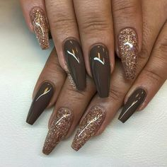 """Vanilla Brown"" with rosé glitter is found in ""Vanilla Brown"" med rosé glitter allt finns hos ""Vanilla Brown"" with rosé glitter is found in Fancy Nails, Gold Nails, White Nails, Glitter Nails, My Nails, Uv Gel Nails, Pink Glitter, White Nail Designs, Colorful Nail Designs"