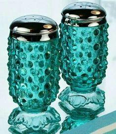 Motivated Wedgwood Art Glass Duck In Blue Art Glass