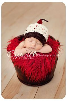 Newborn Photographer | Baby Picture  Captured by Claudia