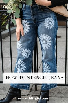 How to upcycle jeans with this tutorial on how to stencil your denim. I created fun flowers to create this hippie jean DIY. Denim Scraps, Hippie Jeans, Rocker Outfit, Cut Shirts, Band Shirts, Punk Rock Fashion, Little Fashion, Diy Clothing, Jeans Fit
