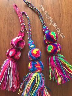 Multicolored pom pom tassel SMALL charms set of 6 pcs / Mehrfarbige Pom Pom Quaste kleine Reize / Pom Pom Crafts, Yarn Crafts, Diy Tassel, Tassels, Pom Pom Animals, Pom Pom Bag Charm, Passementerie, Camping Crafts, Diy Arts And Crafts