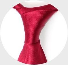 Découvrez ➪ comment réaliser facilement tous les noeuds de cravate grâce à nos tutoriels ► vidéos en vue subjective.