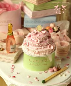 Hummingbird Miniatures: A Pink Wedding Cake for a Blushing Bride