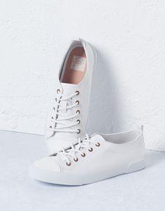 BSK toe cap canvas sneakers - Sneakers - Bershka Serbia