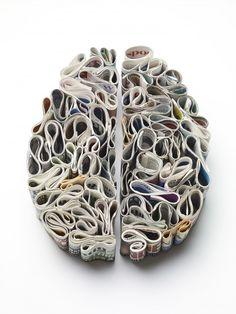 Cerebros hechos de diferentes cosas por el artista Kyle Bean
