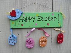 Easter Plaque Happy Easter, Projects To Try, Mantel Ideas, Christmas Ornaments, Holiday Decor, Pallets, Diy, Home Decor, Revenge