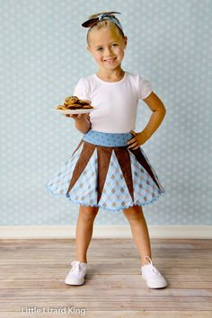 The Retro Glam Skirt pattern by Little Lizard King is glam-tastic! Vintage is back and better than ever. So get your glam on and get sewing! The