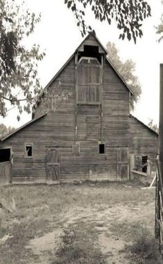 Sepia: Farm Barn by kelly.meli