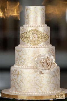 Gorgeous Cake Cupcakes | This cake was for a classy New Orleans themed wedding, and what better ...
