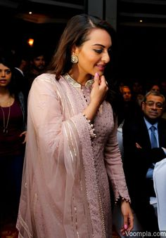Sonakshi Sinha looking beautiful in a pink Rimple & Harpeet Narula chikankari anarkali, paired with earrings and a ring by Aquamarine Jewellery. via Voompla.com