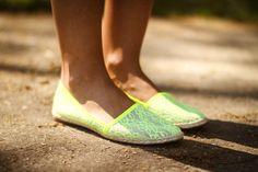 Neon spadrilles Toms, Footwear, Flats, Heels, Sneakers, Flat Shoes, Neon, Baby, Fashion