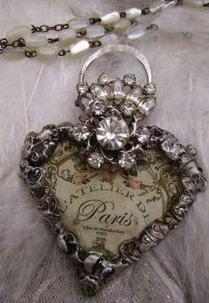 sparkle | bling | shiny | bauble | texture | glitter | shimmer | glimmer | heart |