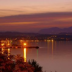 #lagodigarda è.. ..uno splendido tramonto sul nostro lago...