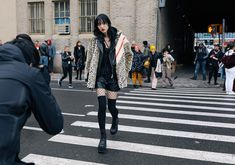 The Best Street Style Beauty Looks From New York Fashion Week Fall 2017