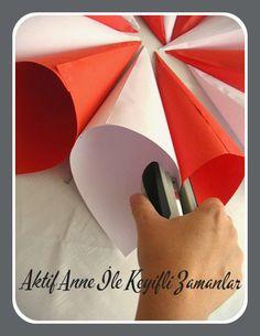 Cumhuriyet bayramında sınıfınızı ve ya evinizi süsleyebileceğiniz bir etkinlik.          6 adet kırmızı ve 6 adet beyaz A4 kağıtları kar...