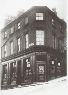 Mum used to manage this pub in the 60's. Georges Hill Liverpool.