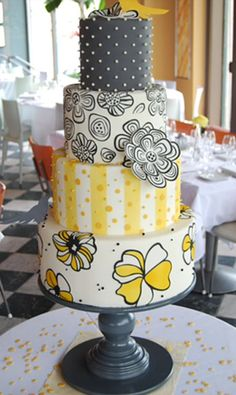 The inspiration for this fabulous cake were the handmade invitations.