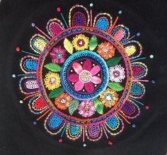 embroidered+mandala.JPG 766×711 pixeles