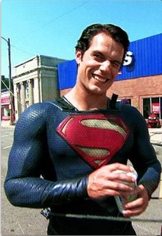 Henry Cavill just having a coffee in a Superman suit :) Superman Henry Cavill, Superman Man Of Steel, My Superman, Love Henry, Clark Kent, To My Future Husband, Supergirl, Actors & Actresses, Sexy Men