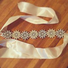 リボンカチューシャも出来た 何でも作りすぎて新郎がひいてる  #結婚準備 #プレ花嫁#ハワイウェディング#リボンカチューシャ#DIY