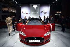 Tesla's Model S Is the Best-Selling Luxury Sedan in America Tesla Ceo, New Tesla, Auto Test, Tesla Motors, Best Muscle Cars, Cheap Cars, Electric Cars, S Models, Car Show