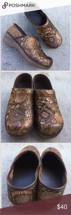 SANITA bronze gold fabric clog shoes Gently worn , size 9, fabric uppers , rubber outsoles, very comfortable wear,🌟REASONABLE OFFERS ACCEPTED🌟 great for nurses or if you are on your feet a lot Sanita Shoes Mules & Clogs