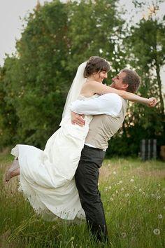 field photo bride and groom barn wedding oregon