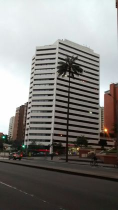 Amanecer Bogotano en la Carrera Séptima con Avenida Chile.