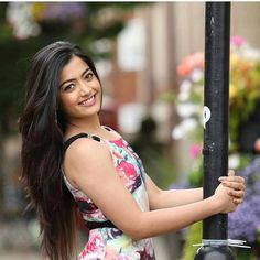 Hot collections of South Indian Actresses Most Beautiful Bollywood Actress, Cute Girl Poses, Cute Girl Face, Stylish Girls Photos, Beautiful Girl Indian, Beauty Full Girl, South Indian Actress, Indian Beauty, Girl Pictures