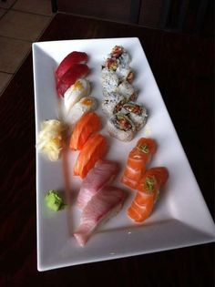 Wow Sushi Lunch Photos, Sushi Lunch, Bon Appetit, Toronto, Goodies, Ethnic Recipes, Food, Products, Sweet Like Candy