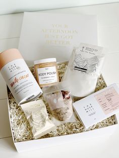 *Kate's Fave* - Desert Blush - Make her day and create the perfect 'pamper me' time with all these Aussie Made goodies! She'll feel all brand new after spending some quality time soaking in the tub, helloooo refreshed and ready to take on the world! #birthdaygiftbox #minibox #pampertime #healthygiftbox #christmasgiftbox #christmasgift #giftbox #health #wellness #australia #nourishing #desertblush #diaryfreegiftbox #byrondreaming
