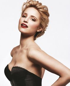 so classic and in love with this pose and the bareness of just a strapless top