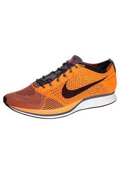 Köp  Nike Performance FLYKNIT RACER - Löparskor för tävling - orange/black för 1495,00 kr (2017-07-31) fraktfritt på Zalando.se