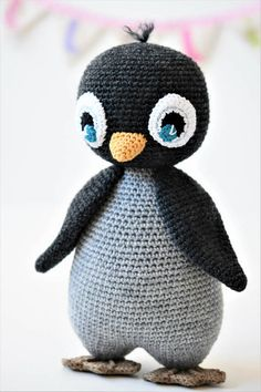 PATTERN - Pompom hat penguin - amigurumi pattern, crochet pattern, penguin pattern, DIY, 5 languages - Toys for years old happy toys Crochet Penguin, Crochet Patterns Amigurumi, Amigurumi Doll, Crochet Animals, Crochet Dolls, Crochet Baby, Free Crochet, Crochet Motif, Easy Crochet
