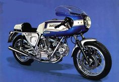 This is THE bike of the 70-ties ! Ducati 900 Desmo Super Sport, it is the ultimate Italian machine and without doubt one of the greatest motorcycles ever made