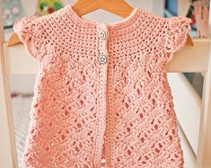 Come to see my newest pattern – Zara's Sleeveless Cardigan!Ravelry: Zara's Sleeveless Cardigan pattern by Mon Petit Violon-sizes for baby up to 10 yearsWith this pattern by Mon Petit Violon you will lear how to knit a Zara's Sleeveless Cardigan s Cardigan Bebe, Sleeveless Cardigan, Crochet Cardigan Pattern, Lace Cardigan, Hooded Cardigan, Baby Girl Crochet, Crochet Baby Clothes, Crochet For Kids, Crochet Dresses