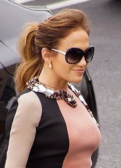 Jennifer Lopezs pretty ponytail