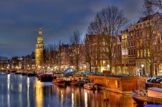 Amsterdam by night #Amsterdam #Hotels http://search.searchcheaphotelsnow.com/City/Amsterdam.htm
