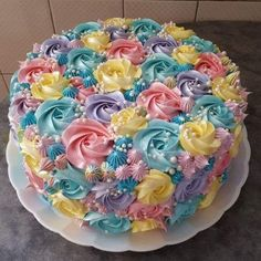How to make cakes? Cake decorating ideas, in addition to easy cake recipes and p Pretty Cakes, Cute Cakes, Beautiful Cakes, Yummy Cakes, Amazing Cakes, Cake Decorating Techniques, Cake Decorating Tips, Cookie Decorating, Cake Icing