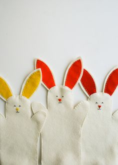 Bunny Hand Puppets How-To
