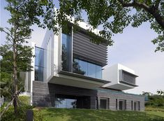 If It's Hip, It's Here: Lakeshore View House With Suspended Pool In Sentosa, Singapore