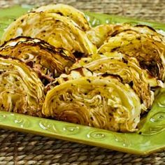 Roasted Cabbage with Lemon-Will give this a try. I've roasted cabbage wedges tossed in olive oil, then sprinkled w/crushed red peppers, which is also good. I Love Food, Good Food, Yummy Food, Tasty, Vegetarian Recipes, Cooking Recipes, Healthy Recipes, Healthy Foods, Cooking Tips