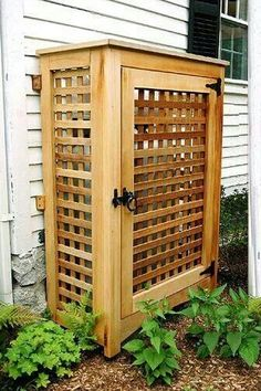 Good for hiding ugly things in the yard - like garbage/recycling cans, garden hose, etc. Using this as a trellis also Outdoor Spaces, Outdoor Living, Outdoor Decor, Hide Trash Cans, Pergola, Garden Structures, Outdoor Projects, Wood Projects, Curb Appeal