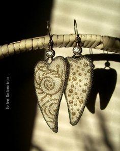"By Helen Kolomoiets. Bead embroidery. Елена Коломоец. Cерьги ""Два ангельских крыла"". Вышивка бисером.   #АнгельскиеКрылья #вышивкабисером #бисерныесерьги #серьгиизбисера #ручнаяработа #эксклюзив  #BeadsEarrings #BeadEmbroidery #BeadEmbroideryEarrings  #ImitationJeweleryVintage #Exclusive  #Handwork #Beds #AngelWings Angel Wings, Beadwork, Earrings, Ear Rings, Stud Earrings, Ear Piercings, Ear Jewelry, Pierced Earrings"
