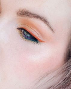 Natural tones! Click for more inspiration!   Glossier Play liners and fun colors.  Colorful, creative makeup for hooded eyes by Rebecca Shores  rebeccakshores.com