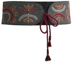 A wide grey embroidered felt belt to hold and protect from cold. Thanks to patterns taken from ancient Kyrgyz objects it looks fancy. 100% wool. Handmade by Tumar Art Group.