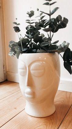 Pots, Decoration Originale, Showroom, Luxury, Diy, Home Decor, White Porcelain, Linens, Tableware