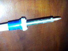 Ferro de solda - Feito de cobre na ponta, podendo ter um pouco de ferro junto.