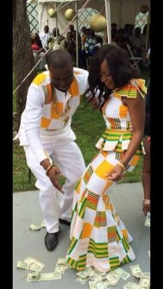 kente wedding clothes ~African fashion, Ankara, Check out Latest Ankara Styles… African Wedding Dress, African Print Dresses, African Dress, African Prints, African Inspired Fashion, African Print Fashion, Africa Fashion, Men's Fashion, African Attire