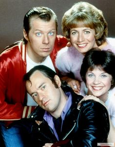 """Laverne and Shirley 1976 - 1983 Works at Shotz Brewery as bottlecappers. Laverne DeFazio - Penny Marshall Shirley Feeney - Cindy Williams Andrew """"Squiggy"""" Squiggman - David L. Enjoyed them all! Best Memories, Childhood Memories, Cindy Williams, Michael Williams, Laverne & Shirley, Childhood Tv Shows, 1980s Childhood, Pin Up, Volkswagen"""